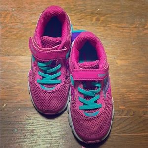 Little Girls Saucony Running Shoes-Gently Used